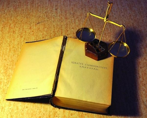 Türkiye yeni anayasa yolunda