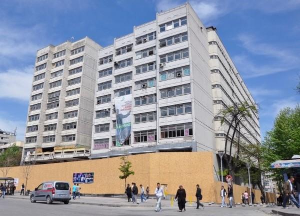 Modern binaya Büyükşehir engeli