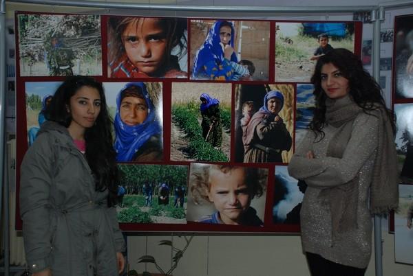 Mevsimlik işçiler sergisi İLEF'teydi