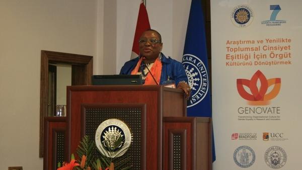 Prof. Dr. Archibong, projenin nasıl yürütüleceğini anlattı.