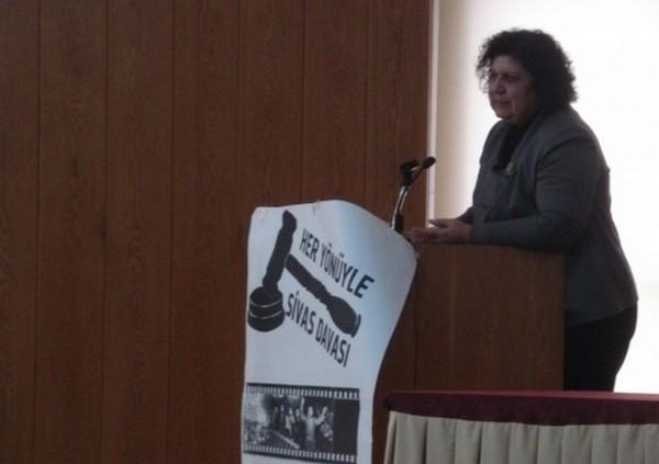 Sivas katliamı avukatı Şenal Sarıhan Hukuk Fakültesi'ndeydi