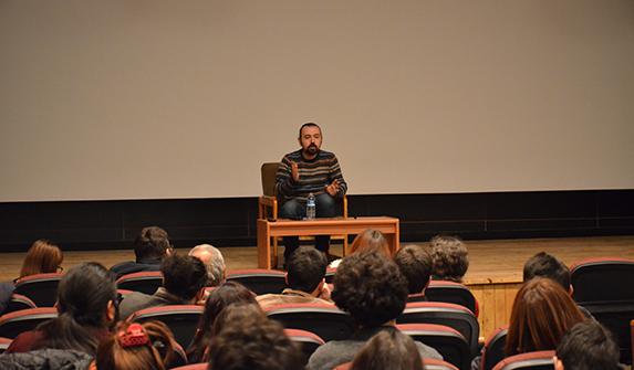 """""""Babamın Kanatları"""" filminin yönetmeni İLEF'lilerin sorularını yanıtladı"""