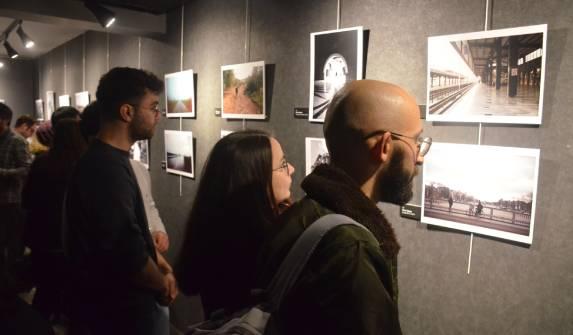 """""""Yol"""" yola çıktı: 22 fotoğrafçıdan analog fotoğraf sergisi"""