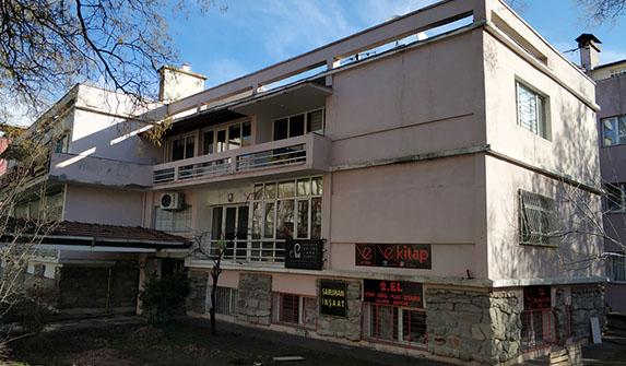 Prof. Dr. Muammer Aksoy'un evi yıkım tehlikesiyle karşı karşıya