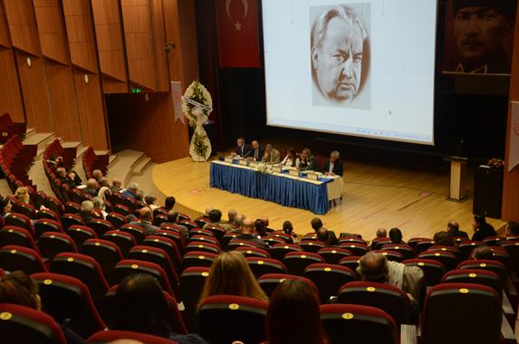 Oturum, Cumhuriyet gazetesi kurucusu Yunus Nadi'nin adını taşıyordu