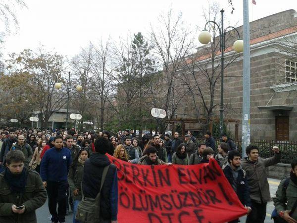 Ankara Üniversitesi DTCF Berkin için yürüyüşü sürdürüyor,Cebeci Kampüsünde direnen üniversitelilere desteğe gidiyor.