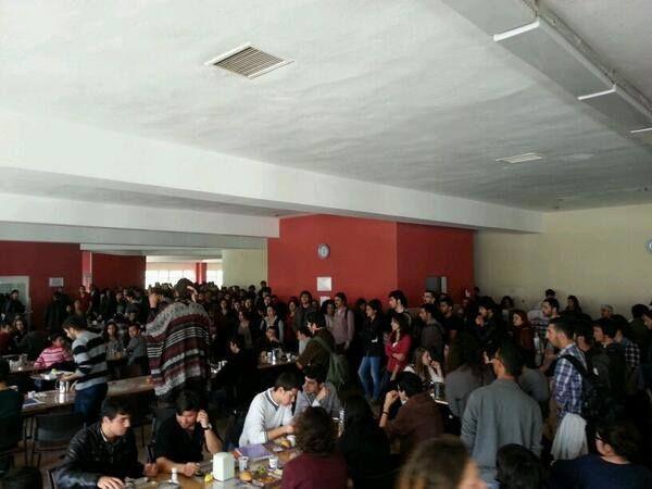 Antalya'da üniversiteliler Berkin Elvan Ölümsüzdür diyerek Berkin için eylem yaptı.