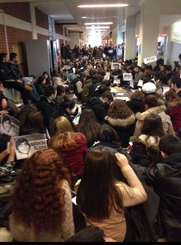Şile Işık Üniversitesi'nde Berkin için oturma eylemi yapılıyor.