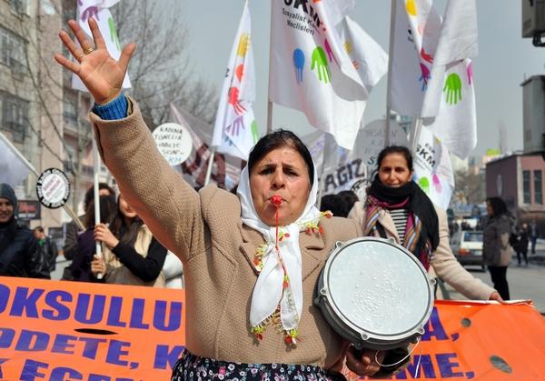 8 Mart Dünya Emekçi Kadınlar Günü'nde kadınlar sokaklara çıktı.