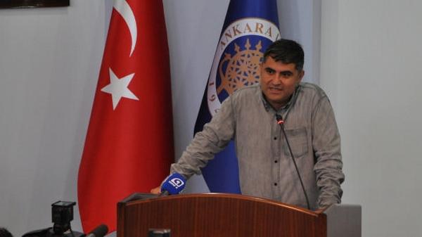 Ankara Üniversitesi\'nin akademik yıl açılış programına Başbakan Erdoğan\'ın davet edilmesi üzerine Siyasal Bilgiler Fakültesi\'nde \'alternatif açılış\' programı düzenlendi.