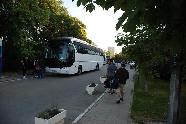 Yolculuğumuz saat 07.30'da Tandoğan olimpik yüzme havuzunun önünde toplanma ile başladı.