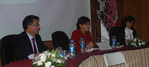 Soldan sağa: 11. Aile Mahkemesi Hâkimi Mustafa Karadağ, Prof. Dr. Serpil Sancar ve 10. Aile Mahkemesi Hâkimi Nevin Birinci