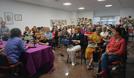 """Kadın Yazarlar Haftasında ikinci gün: """"Kadınlar nasıl yazar?"""" paneli"""