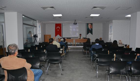 """Prof. Dr. Feyzan Erkip: """"AVM'ler modern kent ihtiyacını karşılıyor"""""""