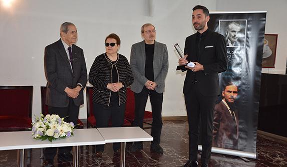 Baykal Saran 13'üncü Tiyatro Ödülü Kutay Sungar'ın oldu