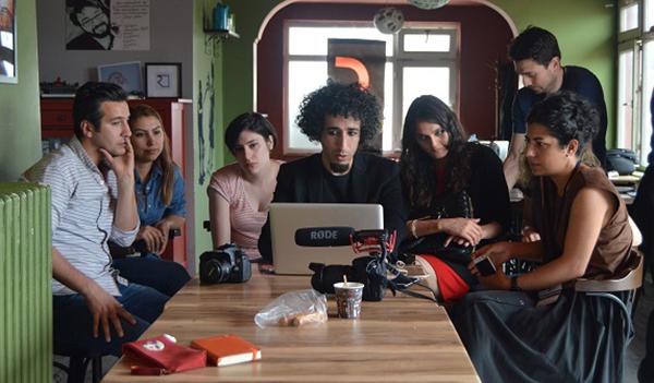 katılımcılar kendi videolarını çekti