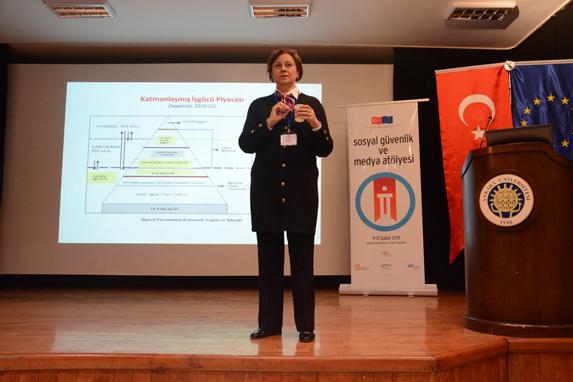 Prof. Dr. İlkay Savcı (Fotoğraf: Merve Filiz)