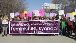 Binlerce kadın Ankara sokaklarındaydı