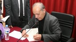 'AKP devlet yönetmeyi kaldırım yapmak sandı'
