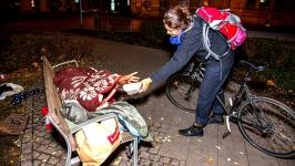 """""""Bisiklet Mafyası"""" evsizler için çalışıyor"""