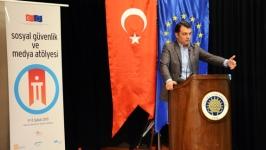 Prof. Dr. Cem Kılıç genç iletişimcilerle buluştu