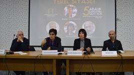 Gazeteciler, yerel yönetimleri tartıştı