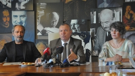 """Devlet Tiyatroları """"perde"""" diyor: Kamyon Tiyatrosu geliyor, 150 oyun, yüzde 20 zam"""