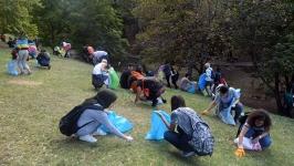 Seğmenler Parkı'ndatemizlik vakti