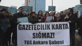 Basın kartlarının iptaline gazetecilerden tepki