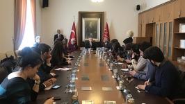 """(CHP lideri gençlerle buluştu -1) Kılıçdaroğlu'ndan Soylu'ya """"adımını attırmayın"""" yanıtı: """"Ankara Büyükşehir Belediyesine gitmem Soylu'nun iznine bağlı değil"""""""