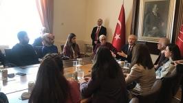 """(CHP lideri gençlerle buluştu -2) """"Kriz ciddileşerek devam edecek"""""""