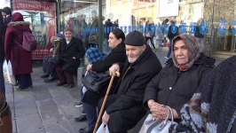 """Bir şehir efsanesi: """"Bir ekmek için otobüsle Ulus'a gelenler"""""""